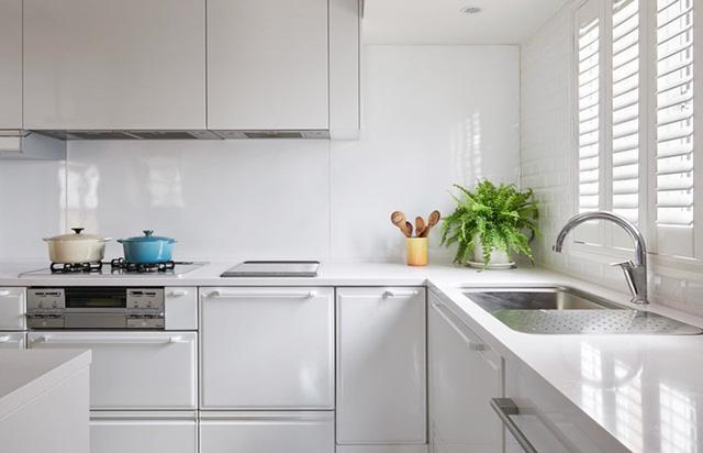 Ngôi nhà rộng 165 m2 sơn màu trắng tinh tế - Ảnh 7.  - 1544181030 736 Ng  i nh   r   ng 165 m2 s  n m  u tr   ng tinh t    - Ngôi nhà rộng 165 m2 sơn màu trắng tinh tế