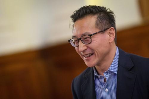 Phó chủ tịch Alibaba Group - Joseph Tsai. Ảnh: Bloomberg  - tsai 1550046148 4695 1550046467 - Alibaba không chịu ảnh hưởng từ kinh tế TQ