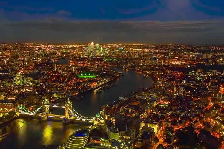 Thành phố London nhìn từ trên cao trong đêm. Ảnh:  - nightimeeconomyinLodon 7580 1569400657 - 'VN cần những CEO KD đêm'
