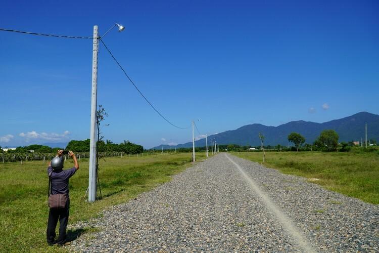 Hạ tầng trái phép trên khu đất nông nghiệp 10 ha tại xã Hàm Hiệp. Ảnh: Việt Quốc  - Duong giao thong xay dung trai 4096 7418 1573179308 - Loạn phân lô bán nền vùng ven P.Thiết
