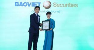 Bảo Việt nhận 2 giải thưởng về doanh nghiệp niêm yết  - bb 1574925454 6275 1574926013 1200x0 310x165 - Bảo Việt nhận 2 giải thưởng về doanh nghiệp niêm yết