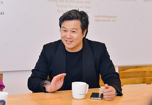 Ông Bùi Vu Thanh (Thanh Bùi) chia sẻ về ý tưởng đầu tư vào giáo dục mầm non. Ảnh: Loan Đoàn  - hi nh 1 o ng bu i vu thanh nha 6743 1858 1573293433 - Thanh Bùi đầu tư vào giáo dục mầm non