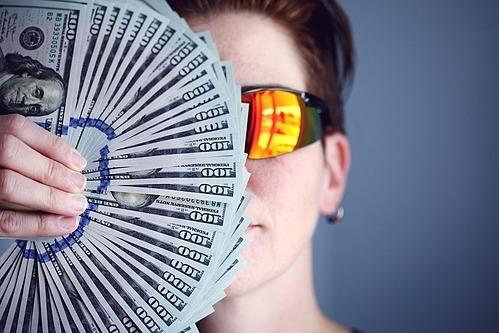 Sẽ có những chi phí lớn của năm sau hoàn toàn có thể biết trước được. Ảnh mnh họa: Pixabay  - hiring 3751983 960 720 1575276 3015 4646 1575277636 - 6 bước để 'hết nghèo' vào năm 2020
