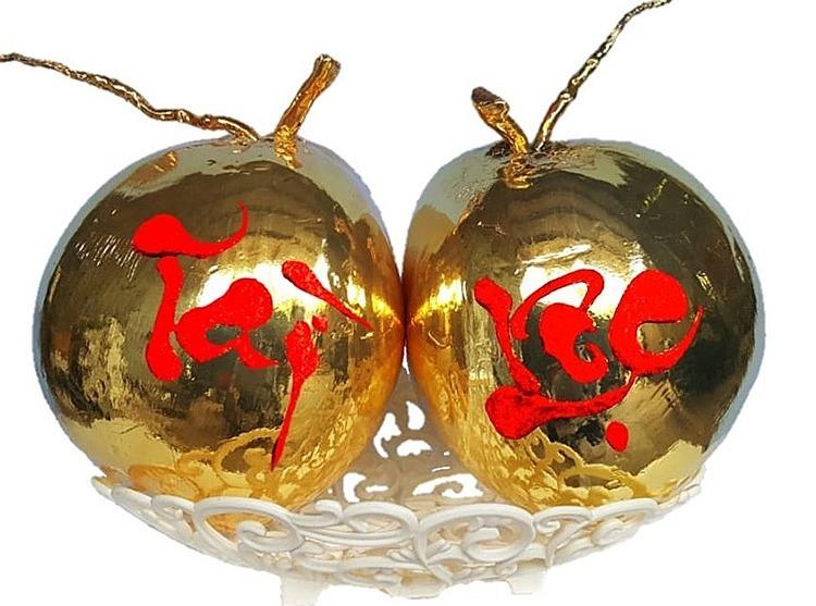 Dừa mạ vàng ở xưởng nhà anh Nguyên. Ảnh: NVCC.  - dua 1578898680 1578898695 9400 1578899224 - Dừa tươi mạ vàng 24k