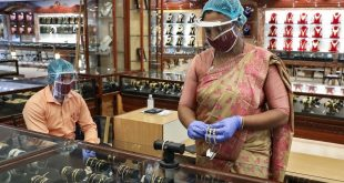 Người Ấn Độ đổ đi bán vàng vì khó khăn  - nguoiAnDobanvangtai1showroomoK 9234 3409 1599357765 1200x0 310x165 - Người Ấn Độ đổ đi bán vàng vì khó khăn